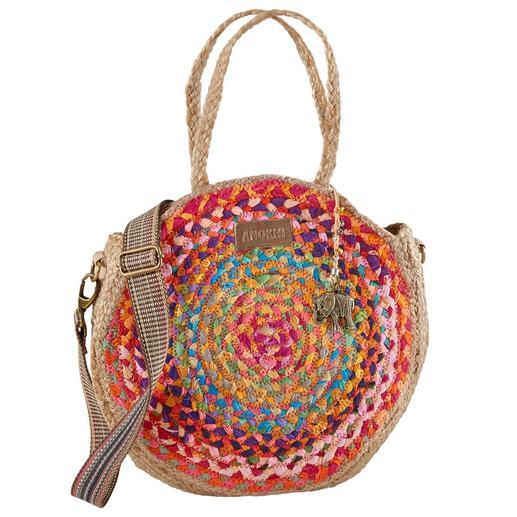 Shopper en jute naturel Anokhi Alliance tendance d'un sac rond en jute et d'une bandoulière tape-à-l'oeil. De Anokhi, Munich.