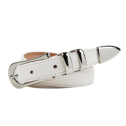 Large de 2 cm, la ceinture basique idéale. Parfaite avec des tenues sportives et élégantes. En suède doux, avec des ornements métalliques féminins. Parfaite avec des tenues sportives et élégantes.