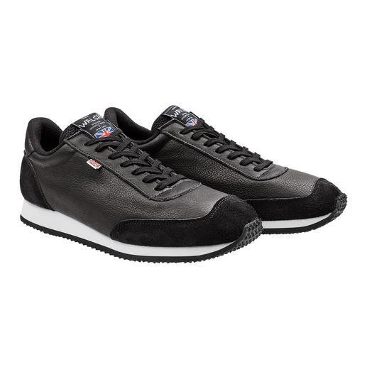 Sneaker en cuir de rhubarbe Norman Walsh Le tannage aux extraits naturels les rend très confortables. Fabriqué en Angleterre par Norman Walsh.