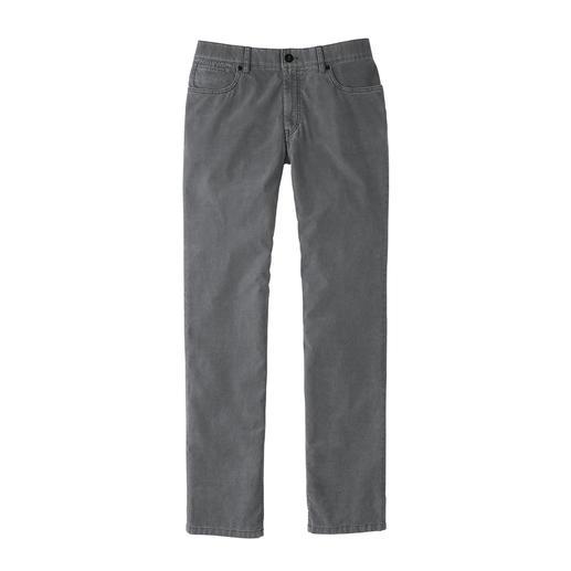 Pantalon 5 poches en velours côtelé HILTL Du fin velours côtelé – mais beaucoup plus léger, plus fin et plus facile à combiner que d'ordinaire.