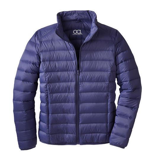 Veste en duvet recyclé, pour homme Beaucoup de chaleur. Peu de poids. Et une bonne conscience. La rare veste tendance en duvet recyclé.