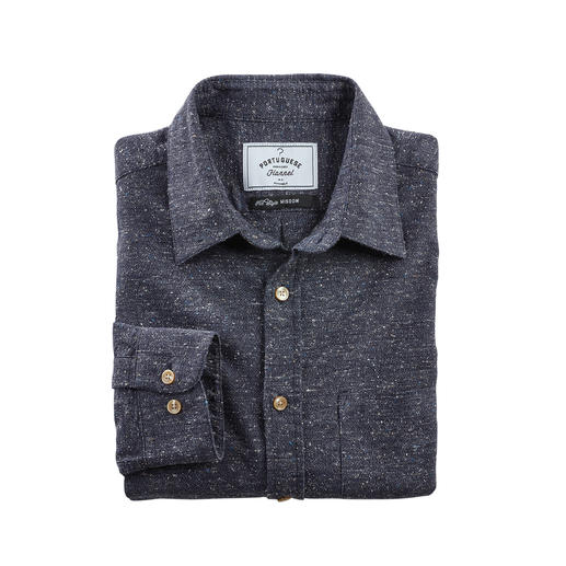 Chemise Donegal Agréablement doux en dépit de l'aspect tweed granuleux. Idéal à porter toute l'année grâce au matériau rare.