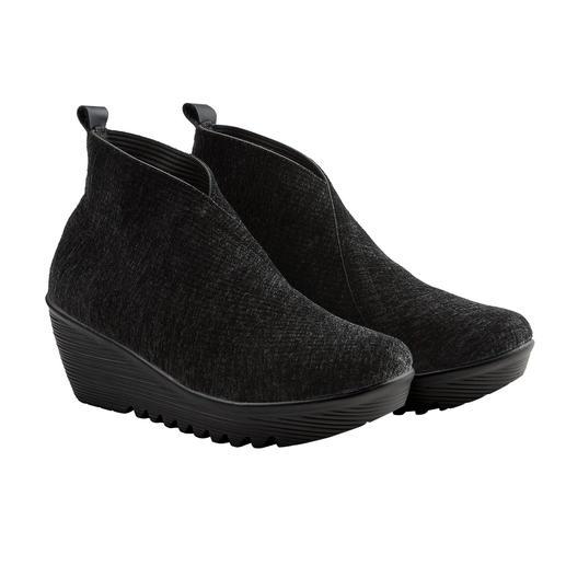 Chaussures velours à talon  compensé bernie mev. Difficile de faire plus confortables, plus légères et plus aériennes. Par bernie mev. New York.