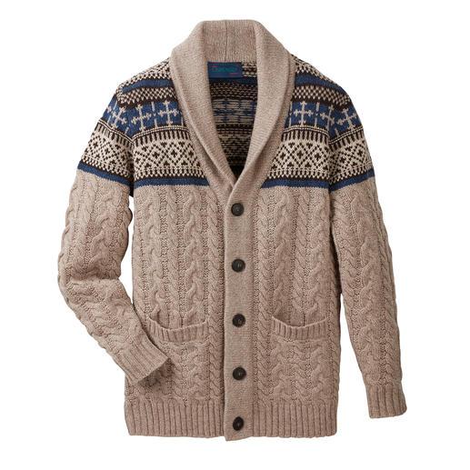 Cardigan à col châle Carbery Avec col châle, motifs torsadé et norvégien. Du tricoteur Carbery de Clonakilty.