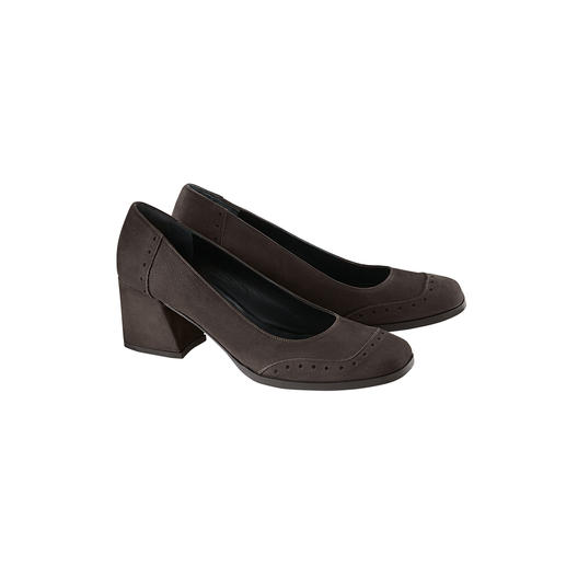 Top tendance et non pas démodés : les confortables escarpins à talon plateau de 6 cm de Marta Ray. Top tendance et non pas démodés : les confortables escarpins à talon plateau de 6 cm de Marta Ray.