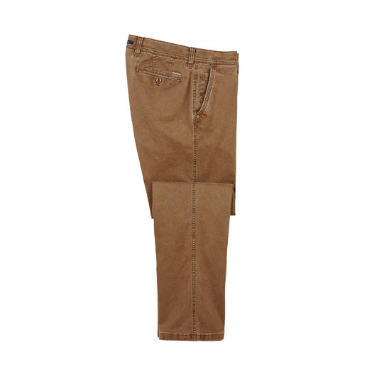 Chino Flex Cotton Le chino slim tendance, extrêmement confortable : ne comprime pas, ne poche pas.