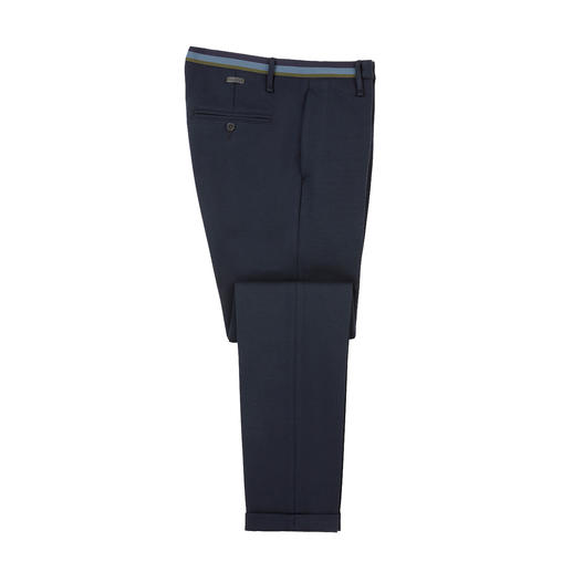Pantalon d'affaire en jersey Alberto Aspect toile noble. Coupe slim moderne. Et le confort d'un pantalon détente.