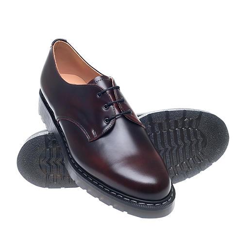 English Postman Shoe La Postman Shoe originale d'Angleterre. Fabriqué à la main à Wollaston, dans le Northamptonshire depuis 1881.
