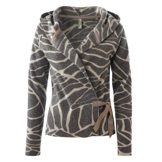 Veste cache-cœur en laine polaire d'Henriette Steffensen - La laine polaire est rarement aussi chic et féminine. Design scandinave d'Henriette Steffensen, Copenhague.