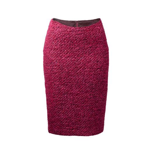 Jupe crayon bouclé Doublement classique – triplement tendance : la jupe crayon bouclé à la couleur rose tendance.