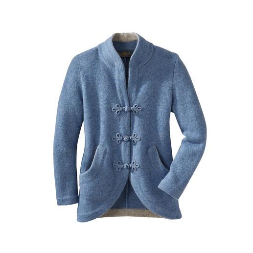 Veste en laine bouillie Mirabell Structure en tricot aérée. Forme jaquette extravagante. Fermetures passementées à la main. De Mirabell.