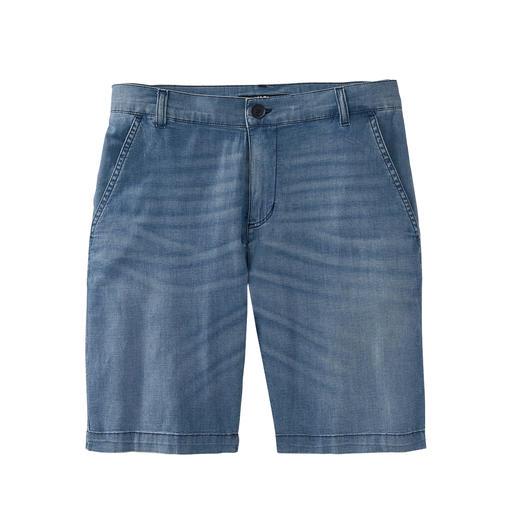 Bermuda en jean  Karl Lagerfeld 7 onces. Le denim léger fait de ce bermuda un incontournable aéré de l'été.