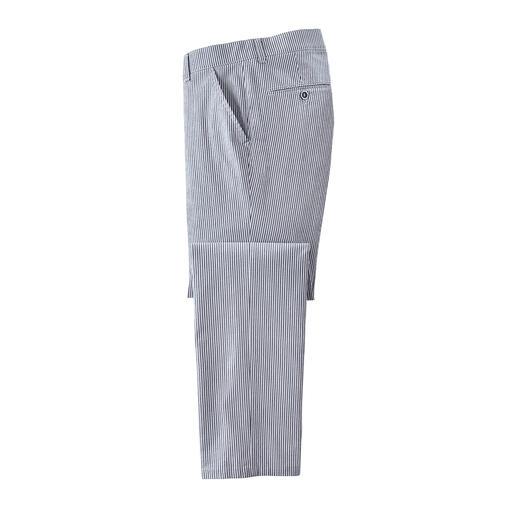 Pantalon en seersucker Léger, frais et au repassage superflu. Le pantalon en seersucker est parfait pour l'été.