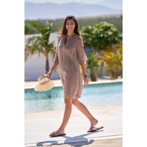 Robe look superposé European Culture Batiste légère aérée. Forme tunique au tombé décontracté. Look superposé tendance.