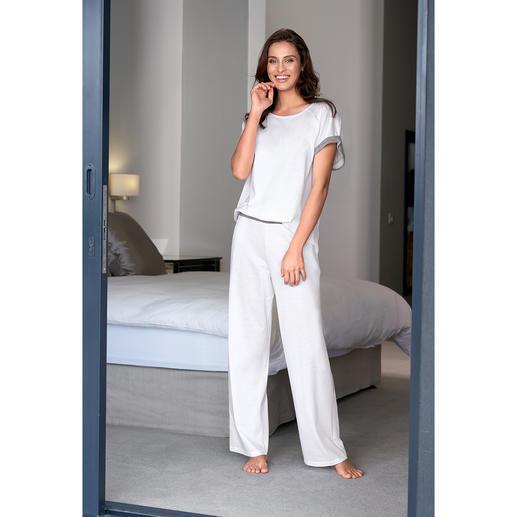 Pyjama swiss+cotton pour femme Rare : la forme moderne et épurée. Et qualité swiss + coton exquise.