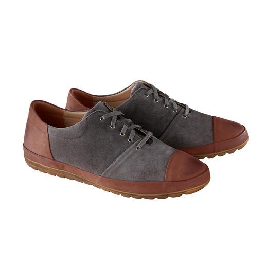 Sneaker en suède de veau Franz Gustav Couture trépointe en suède de veau hydrofuge exempt de chrome. Par Franz Gustav/Allemagne.