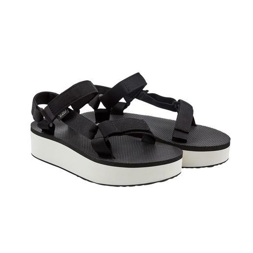 Sandale à plateau Teva® Photographiée aux pieds des stars d'Hollywood : la sandale outdoor de Teva®, USA.
