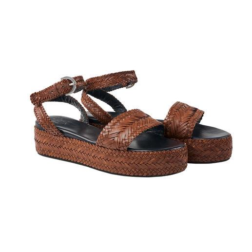 Sandale à plateau en cuir tressé Allan K Une tendance rare : la sandale à plateau entièrement faite de cuir tressé. De Allan K.