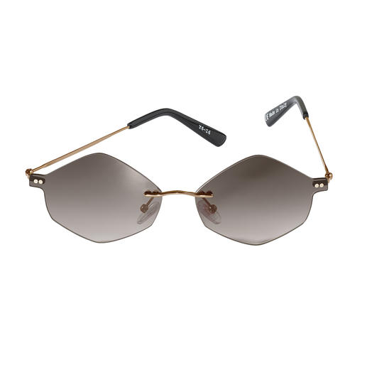 Lunettes de soleil hexagonales La tendance des lunettes de soleil extravagantes : les lunettes hexagonales. Par Mr. Boho.