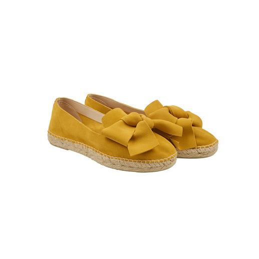Espadrilles à nœuds Macarena® La chaussure phare de la saison – par un spécialiste avec plus de 40 années de savoir-faire. Par Macarena®.