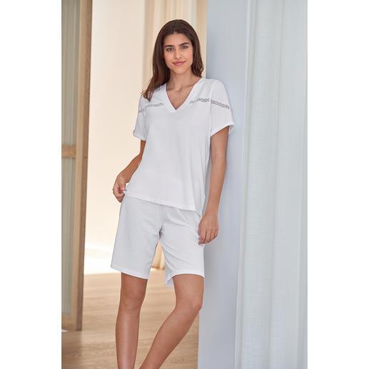 Pyjama court clean-chic Pluto Bien plus élégant que les pyjamas courts habituels : voici l'alternative clean-chic de Pluto/Belgique.