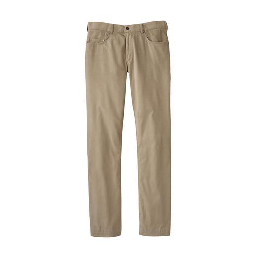 Pantalon léger en velours côtelé Ultraléger. Incroyablement doux. Et pourtant, réchauffant en douceur.