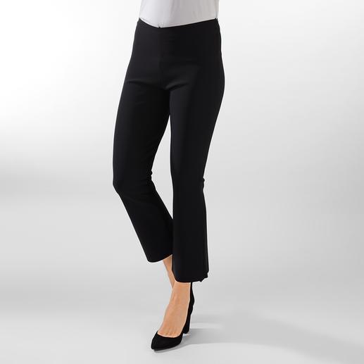 Tunique ou Pantalon moulant Sassenbach Il est rare qu'une tenue sobre attire autant les regards. Le deux-pièces en jersey italien haute technologie.