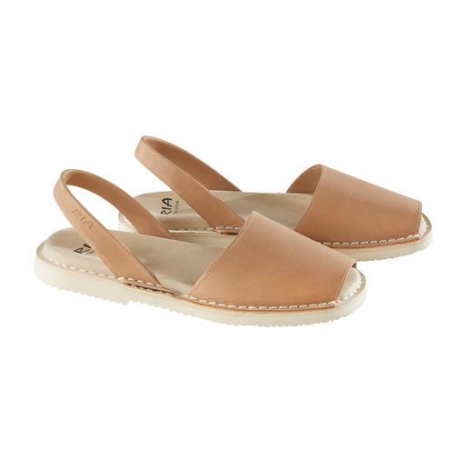 Avarcas de Menorca, Nature Des sandales de Minorque, confectionnées à la main et éprouvées au cours des étés les plus chauds.