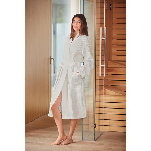 Peignoir en piqué bio, pour femme Combinaison rare : du coton biologique contrôlé et un piqué gaufré absorbant. De Taubert.