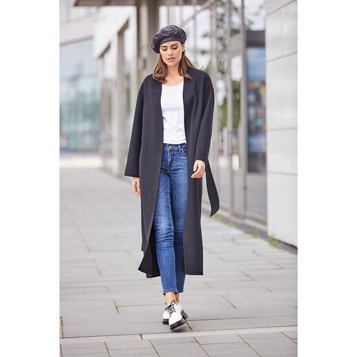 Belted Coat Betta Corradi Le Belted Coat (manteau ceinturé) classique célèbre son retour tendance.