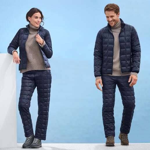 Veste ou Pantalon en duvet Taion Plus de chaleur et encore plus de légèreté – grâce à une isolation en duvet rare de haute qualité.