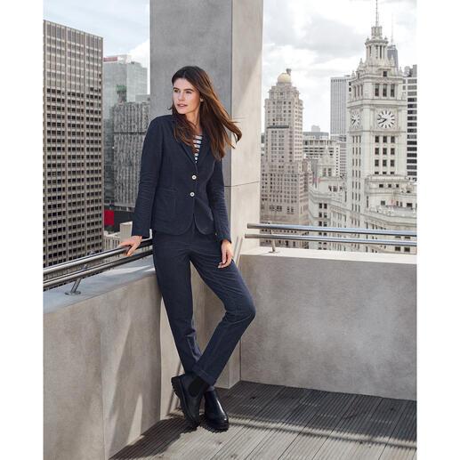 Blazer ou Tailleur-pantalon en jersey T-Jacket La haute-couture à la sensation de vêtement détente : le tailleur-pantalon en jean de T-Jacket.