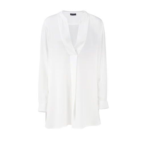 Aussi noble qu'une blouse en soie – mais au moins aussi simple d'entretien qu'un t-shirt. La tunique de Janice & Jo. Aussi noble qu'une blouse en soie mais aussi simple d'entretien qu'un t-shirt. La tunique de Janice & Jo.