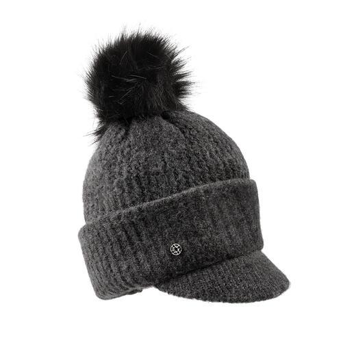 Trois styles de port : un bonnet tricoté ne peut guère être plus polyvalent. Couvre-chef à rabat tendance. Réchauffe cou et nuque. Cache-nez/bouche. Par Loevenich.