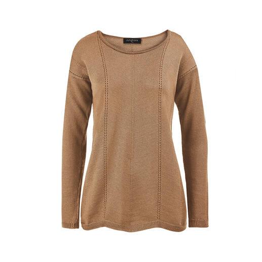 Pull vague mérinos Junghans 1954 Tricoté en laine mérinos extra fine à forme trapézoïdale. Avec ourlet ondulé et coutures longitudinales.