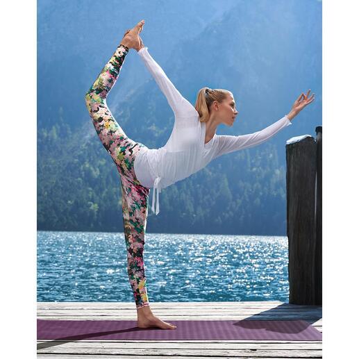 Leggings, veste cache-coeur ou maillot Mandala Assez confortable pour le yoga, le tai-chi et le divan. Assez élégant pour les spas les plus chics.