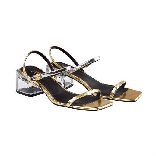 Sandale métallique Versace Jeans Couture Adaptée au quotidien, confortable et polyvalente. Tout en étant originale et abordable.