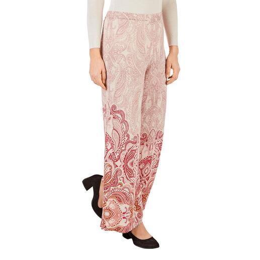 Pantalon tricot jacquard ou Haut en maille côtelée Ivko Tricot estival léger au look intégral tendance. De Ivko, Serbie.