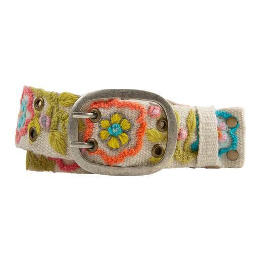 Ceinture brodée péruvienne Smitten Ces ceintures uniques brodées à la main du Pérou sont des pièces rares.