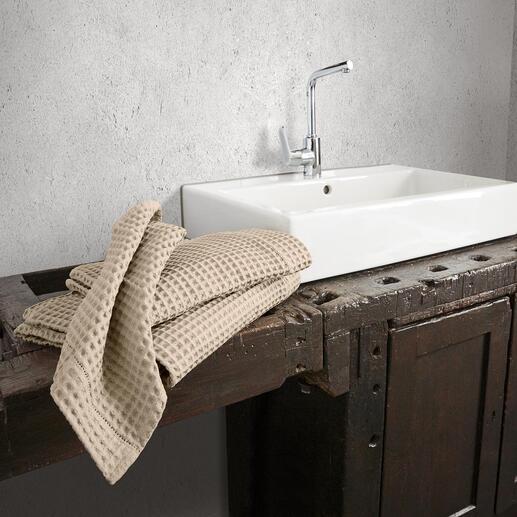 Serviettes de bain gaufrées, lot de 2 Pièce rare dans le monde entier– mais un classique riche en tradition en Italie.