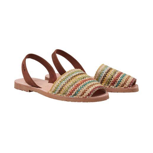 Avarcas en raphia multicolore RIA Menorca Avarcas de Menorca originales : les sandales classiques traditionnelles en raphia tressé et aux couleurs vives.
