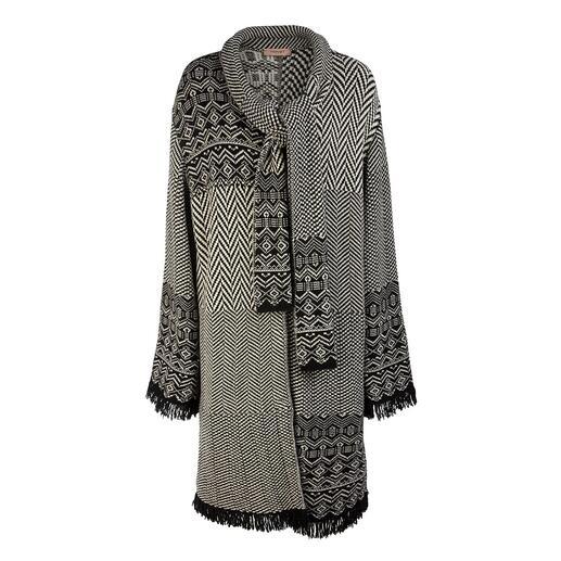Manteau en tricot jacquard Patch TWINSET Aujourd'hui un incontournable de la mode, demain un classique indémodable : le manteau en tricot jacquard.
