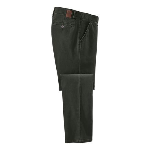 Chino en coton Tencel™ Le Tencel™ rend votre nouveau chino encore plus résistant aux plis. Plus respirant. Et beaucoup plus doux.