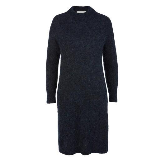 Robe en tricot mohair Johnnylove La robe en mohair de Johnnylove  : indéformable, bouloche peu, réchauffante et aussi légère qu'une plume.