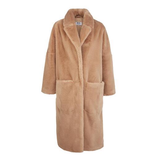 Manteau en fausse fourrure Betta Corradi Le manteau classique de demain. Fait de fausse fourrure luxueuse.
