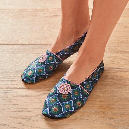 Chaussons de voyage Ixli Coloré au lieu d'une couleur unie ennuyeuse. Les chaussons de voyage stylés d'Ixli, France.