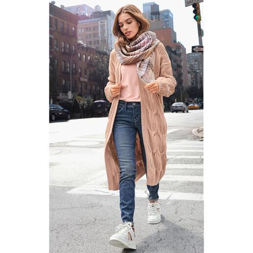Manteau en tricot au mélange de motifs ZOE ONA Un classique luxueux et durable à un incroyable prix : le manteau en tricot du jeune label Knit & It ZOE ONA.