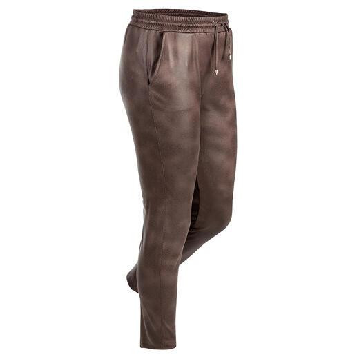 Jogging « faux cuir » Janice & Jo L'aspect du cuir véritable à s'y méprendre. Une forme parfaite. Un bon prix.