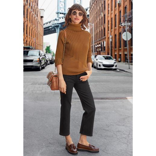 Pull à col roulé magique Junghans 1954 Enfin un col roulé en tricot côtelé à la mode qui a l'air féminin et n'est pas trop volumineux. Fabriqué en Italie. De Junghans 1954.