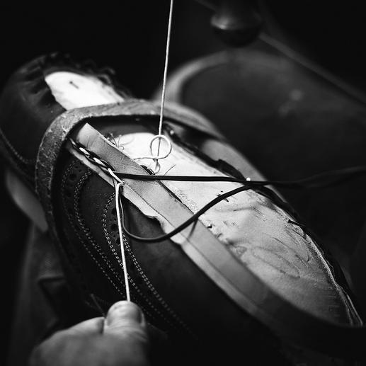 La spécialité de Heinrich Dinkelacker : la trépointe tressée entrelacée de lacets de cuir.